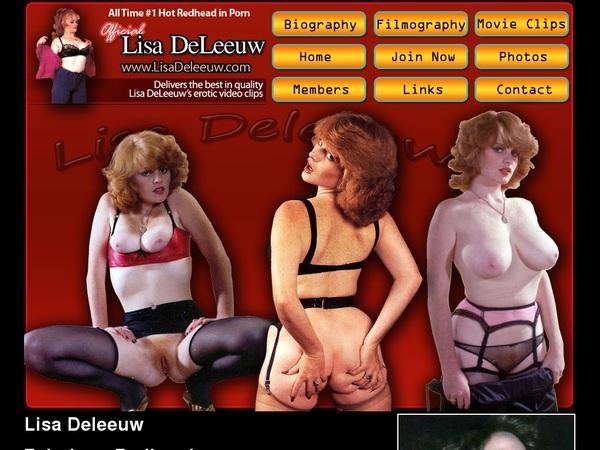 Lisa De Leeuw With Discover Card